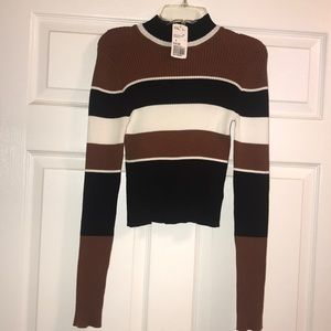 Forever 21 Crop Top Sweater - Small